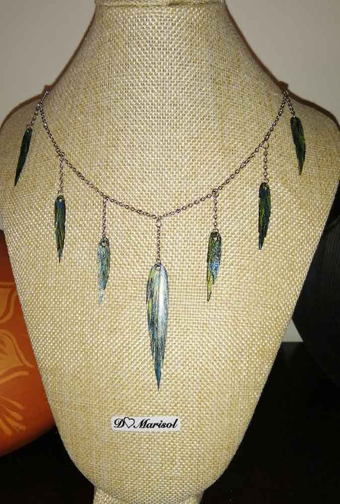 colgantes-plumas-neumatico-reciclado-artesania-2